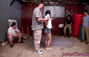 女の子は愛の間にそんなにお尻に唾を吐くので、彼女は潤滑油を必要としません エロ 動画 無料 イケメン